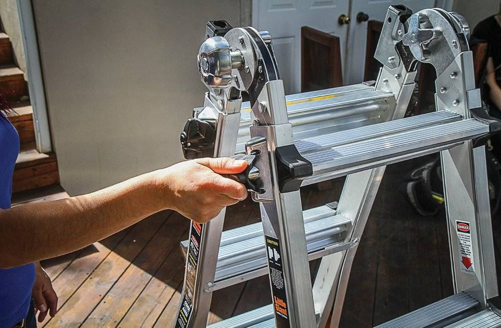 Little Giant Quantum and Revolution ladders utilize Rock lock and Quad lock locking systems